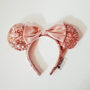 Rose gold millenial pink Disney Mickey ears